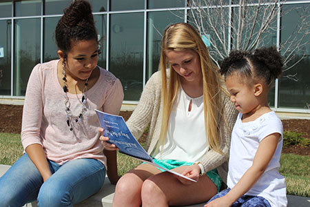 Battle students read to their