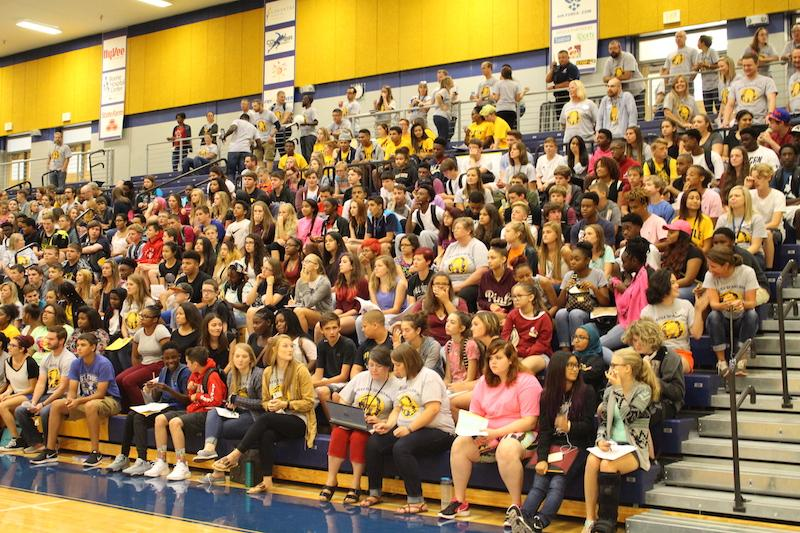 Freshmen+are+watching%2Ftalking+during+the+jump-start+day+assembly.+%28Photographed+by+Morgan+Evanoff%29+