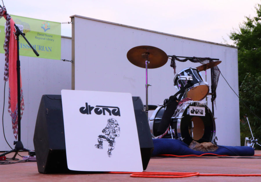 Drona gets ready to open the showcase concert